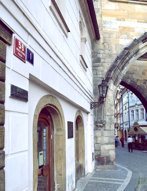 Indie travel blog Czech: King Charles Bridge Area
