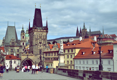 arch-prague-st-charles-bridge