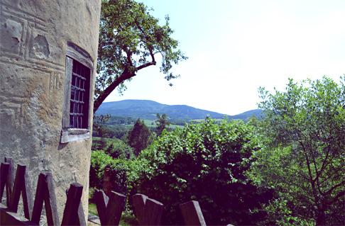w-castle-view