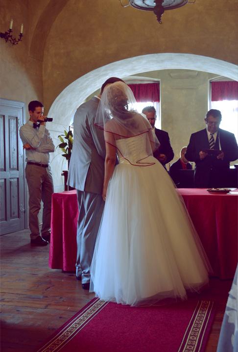 w-ceremony-whisper