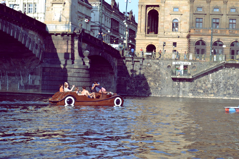 Travel Blog Prague: Exploring the River by Boat