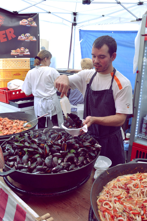 Travel Blogger Expat Beijing: Mussels at the Culture Fair